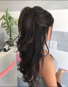 Mousse on damp hair. Blow dry hair with a round brush. Curl the hair . - Mousse on damp hair. Blow dry hair with a round brush. Curl the hair … – ponytail hairstyles, - Damp Hair Styles, Short Hair Styles, Hair Styles For Prom, Hair Styles With Crown, Wedding Hair Styles, Hair Ponytail Styles, Hair Down Styles, Teased Ponytail, Long Ponytails
