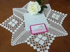 Crochet Lace Edging, Diy Crochet, Lace Table, Table Covers, Tinkerbell, Diy And Crafts, Projects To Try, Knitting, Gifts