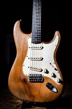 Music Guitar, Cool Guitar, Playing Guitar, Noel Redding, Guitar Inlay, The Originals 3, Stratocaster Guitar, Beautiful Guitars, Vintage Guitars