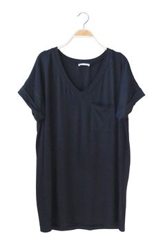 Classic Pocket Tee in Black Roolee Boutique, Minimal Fashion, Boutique Dresses, Style Guides, Celebrity Style, Topshop, Cute Outfits, My Style, Classic