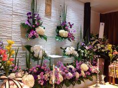 藤色の葬儀祭壇