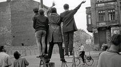 Im Oktober jährt sich die deutsche Wiedervereinigung zum 25. Mal.