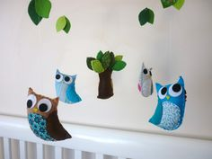 Owl and Wee Critter Friends Baby Mobile - Baby Boy with Music Button (Brahms Lullaby) idea