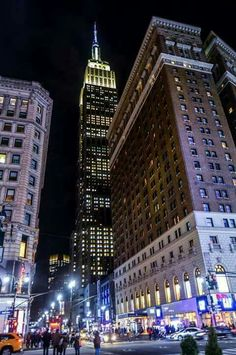 The 'Empire State' Building • NEW YORK CITY • USA •