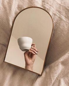 Cream Aesthetic, Classy Aesthetic, Brown Aesthetic, Aesthetic Photo, Aesthetic Pictures, Mirror Photography, Coffee Photography, Photography Poses, Beige Wallpaper