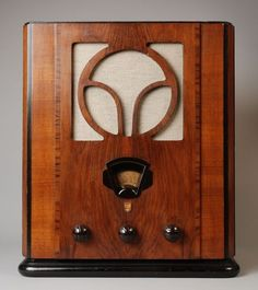 Philips radio, 1935. Vintage Designs, Retro Vintage, Radios, Old Time Radio, Audio Room, My Old Kentucky Home, Timber Wood, Art Deco Design, Art Nouveau
