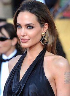 Angelina Jolie, Boobs
