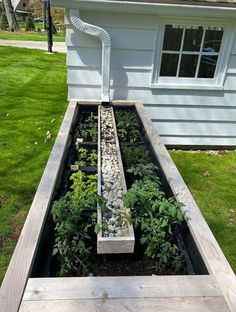 Garden Yard Ideas, Lawn And Garden, Garden Beds, Garden Projects, Home And Garden, Garden Benches, Garden Water, Herb Garden, Cool Garden Ideas