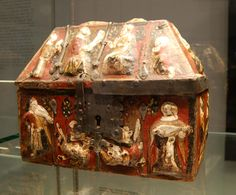 Casket made of wood covered with painted parchment and metal straps and lock, dating from the 14th century, Cologne