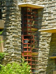 """Frank Lloyd Wright - """"House of Falling Water"""" (Fallingwater). Designed in 1935 and built between Organic Architecture, Amazing Architecture, Art And Architecture, Architecture Details, Frank Lloyd Wright Buildings, Frank Lloyd Wright Homes, Falling Water House, Falling Waters, Falling Water Frank Lloyd Wright"""