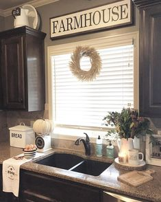 31 Rustic farmhouse kitchen for 2019 & 52 Affordable farmhouse kitchen cabinet … - Kitchen Decor Ideas Farmhouse Kitchen Cabinets, Farmhouse Decor, French Farmhouse, Modern Farmhouse, Kitchen Dining, Kitchen Rustic, Farmhouse Ideas, Country Farmhouse, Farmhouse Kitchens