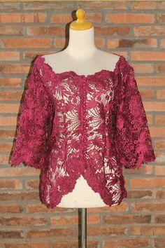 B Model Kebaya Modern, Kebaya Modern Dress, Hot Pink Dresses, Nice Dresses, Dress Brokat, Kebaya Brokat, Dress Batik Kombinasi, Kebaya Lace, Kebaya Wedding