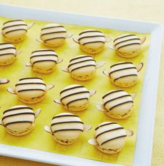 Honeybee macarons {via Amy Atlas' book, Sweet Designs}