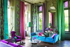 Arabella ___ DEGRAPE Director's Guild - Love, love, love; high ceilings, low furniture=perfection!