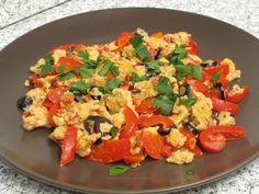 Menemen - omletă turcească Types Of Food, Taste Buds, Bruschetta, Food Porn, Good Food, Chicken, Cooking, Breakfast, Ethnic Recipes
