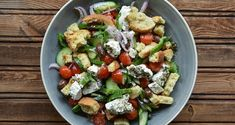 Authentic Greek salad by Greek chef Akis Petretzikis! Make this fabulous, traditional Greek salad by Greece's top chef and add amazing flavors to your palate! Lunch Recipes, Cooking Recipes, Traditional Greek Salad, Mediterranean Recipes, Greek Recipes, Food Videos, Potato Salad, Salads, Appetizers