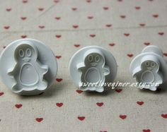 set of 3 penguin shape embossed cookie cutter, fondant cutter, biscuit cutter,cookie plunger cutter craft clay for cupcake, cake sugar paste