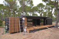 Een huis van 150 m2, gebouwd in 4 dagen voor minder dan 38000 euro. Natuurlijk speelt mee dat het op een mooie plek staat, maar...