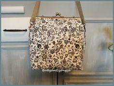 Virágos csatos táska - kék / Flower frame bag - blue