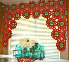Once Upon A Pink Moon: Flower Power Valance Tutorial.  Saw this made into an afghan using leftover yarns.  Very pretty.  Gotta try!