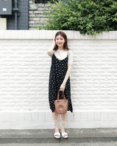 Korean Fashion Dress, Blackpink Fashion, Kpop Fashion Outfits, Korean Outfits, Asian Fashion, Fashion Dresses, Cami Dress Outfit, Modest Outfits, Casual Outfits