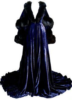 Blue Velvet Peignoir worn by Vivien Leigh as Scarlett O'Hara in 'Gone With The Wind'