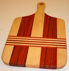 Exotic Cutting Board! Cheese Cutting Board, Diy Cutting Board, Custom Cutting Boards, Woodworking Workshop, Woodworking Plans, Woodworking Projects, Dining Table Redo, Wood Chopping Board, Small Wood Projects