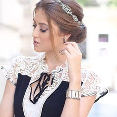 Blusa com renda #lovlity2016 #lovlity #luxo #linda #inverno2016 @vitoriaportes