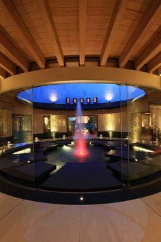 Dekorative Tischbrunnen aus mit Natursteinen und natürliche Bambus ...