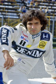 Nelson Piquet arrives for 1986 as Rosberg had departed to McLaren.