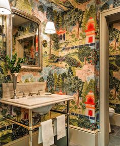 "Scheffer Interiors&ObjetsD'art on Instagram: ""Powder Room via @secretsofahostess 💕💚 #powderroom #southern #lavabo #bathroomideas #green #chinoiserie #homedecor #interiores…"""