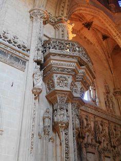San Juan de los Reyes. Púlpito de iglesia.