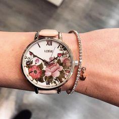 Flower Power! Wat vinden jullie van het nieuwste design van LOISIR? Meer inspo op www.aperfectgift.nl . . .  #sieraden #jewelry #armcandy #girls #girly #inspo #armbanden #armband #armbandjes #ring #oorbellen #oorbel #oorring #fashionista #fashion #mode #modieus #design #musthave #loisir #womensfashion #cute #sieradenwinkel #boho #trendy #armcandy #armparty #musthave #musthaves Flower Power, Girly, Boho, Design, Hobbies, Women's, Girly Girl, Bohemian