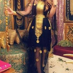 Night Wedding Lighting, Afghan Clothes, Arabic Dress, Moroccan Caftan, Caftans, Traditional Dresses, Anarkali, Designer Dresses, High Fashion