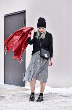fun-patches-rock-lackleder-patent-leather-jacke-fashionblogger-modeblogger-nachgesternistvormorgen-muenchen-outfit-streetstyle