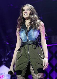 Singer Hailee Steinfeld performs onstage during 1035 KISS FM's Jingle Ball 2016 at Allstate Arena on December 14 2016 in Rosemont Illinois