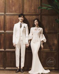 korea pre wedding door studio new sample Korean Bride, Korean Wedding, Wedding Doors, Wedding Company, Wedding Photoshoot, Simple Weddings, Wedding Couples, Wedding Events, Wedding Photography