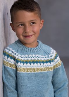 Garnpakke: Gretekofte i Alpakka Forte - Knitting Inna Baby Cardigan Knitting Pattern Free, Fair Isle Knitting Patterns, Baby Boy Knitting, Fair Isle Pattern, Knitting For Kids, Knitting Stitches, Knitting Designs, Hand Knitting, Drops Design