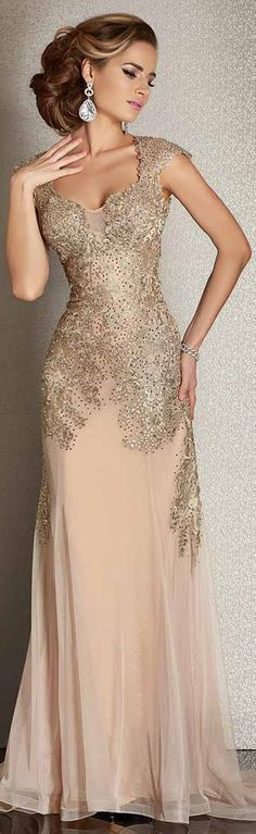 Special occasion dresses for women over 60 Elegant Dresses, Pretty Dresses, Formal Dresses, Elegant Gown, Beautiful Gowns, Beautiful Outfits, Groom Dress, Elie Saab, Special Occasion Dresses