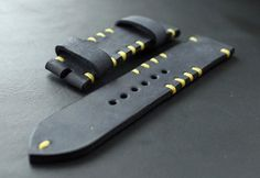 Handmade leather watch strap is made of premium quality leather. Dark blue leather with yellow stitchingDimensions: Buckle cm, Hole side: 13 cm. Real Leather, Leather Men, Leather Wallet Pattern, Mens Watches Leather, Leather Working Patterns, Leather Watch Bands, Diy Bag Making, Blue Yellow, Dark Blue