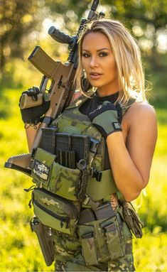 in the awesome Multicam Tropic. Weather was finally perfect for us, I didn't have to freeze her to death lol. Paintball Girl, Photography Gloves, Bodybuilding, Female Soldier, Military Women, N Girls, Workout, Fitness, Muscles