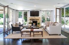 Celebrity Homes: Wolfgang Puck : Architectural Digest Celebrity Homes For Sale, Celebrity Houses, Celebrity Chef, Celebrity Style, French Country Living Room, Classic Living Room, Living Room Furniture Layout, Living Room Designs, Architectural Digest