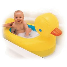 DUCK BATH TUB WHAAAA??? This is currently on my Walmart baby registry. ;)