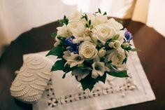 Boquet in white, green and blue