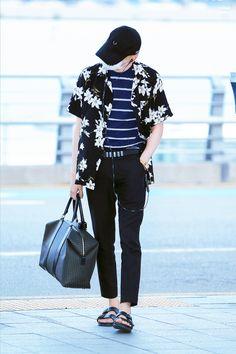 [AIRPORT] 160804: BTS Suga (Min Yoongi) #bts #bangtan #bangtanboys #fashion…