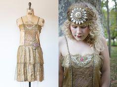 années 1920 robe de dentelle métallique boiteux Art déco par soiree