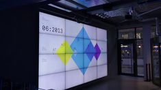 The data wall is the centerpiece of the new headquarter of Stockholm based payment company Klarna visualizing their world wide business activity in real-time. Information Architecture, Information Design, Interactive Installation, Interactive Design, Digital Signage, Digital Wall, Geometric Transformations, Red Dot Design, Media Wall