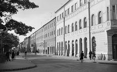 Bartók tér, jobbra a Tábor utca sarka. Hungary, Budapest, Street View