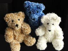 Ann's Daily Crafts: Fluffy Knitted Teddy Bear - Make use of that eyelash yarn.