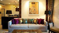 der marokkanische stil orange wandfarbe dunkelrot couch orientalisch ...